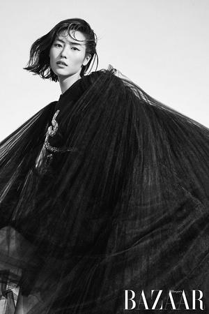 Liu_Wen_Harpers_Bazaar_China_Cover_Photoshoot06